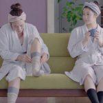 桐灰CMの女優は誰?足の冷えない不思議な靴下を履く2人とも美人!